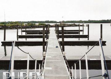 Pier flutuante pré moldado de concreto